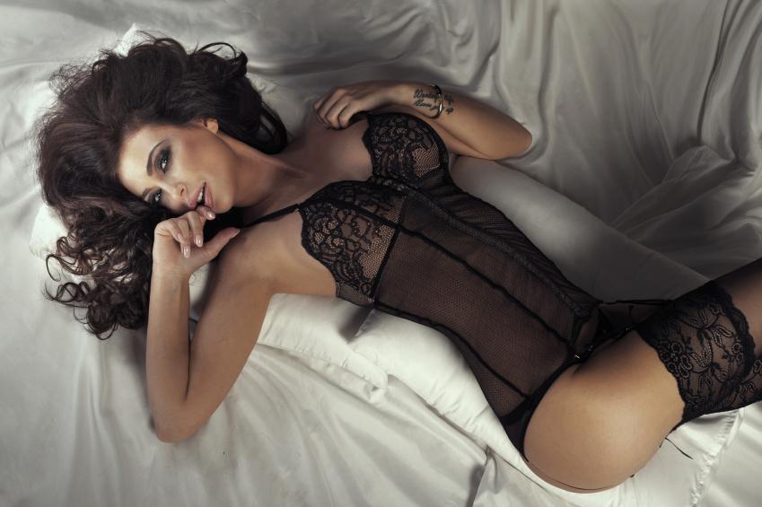 Beautiful brunette lady posing.