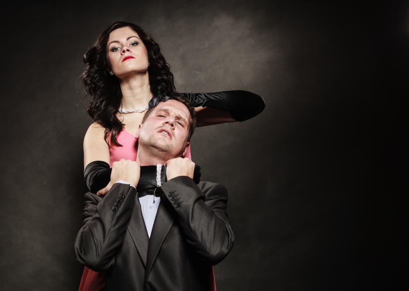 Woman strangles man