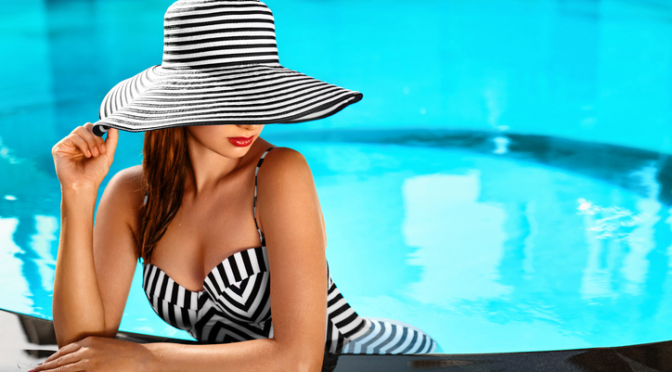 Erotic Stories – A torrid afternoon around the pool