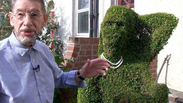 hedge woman